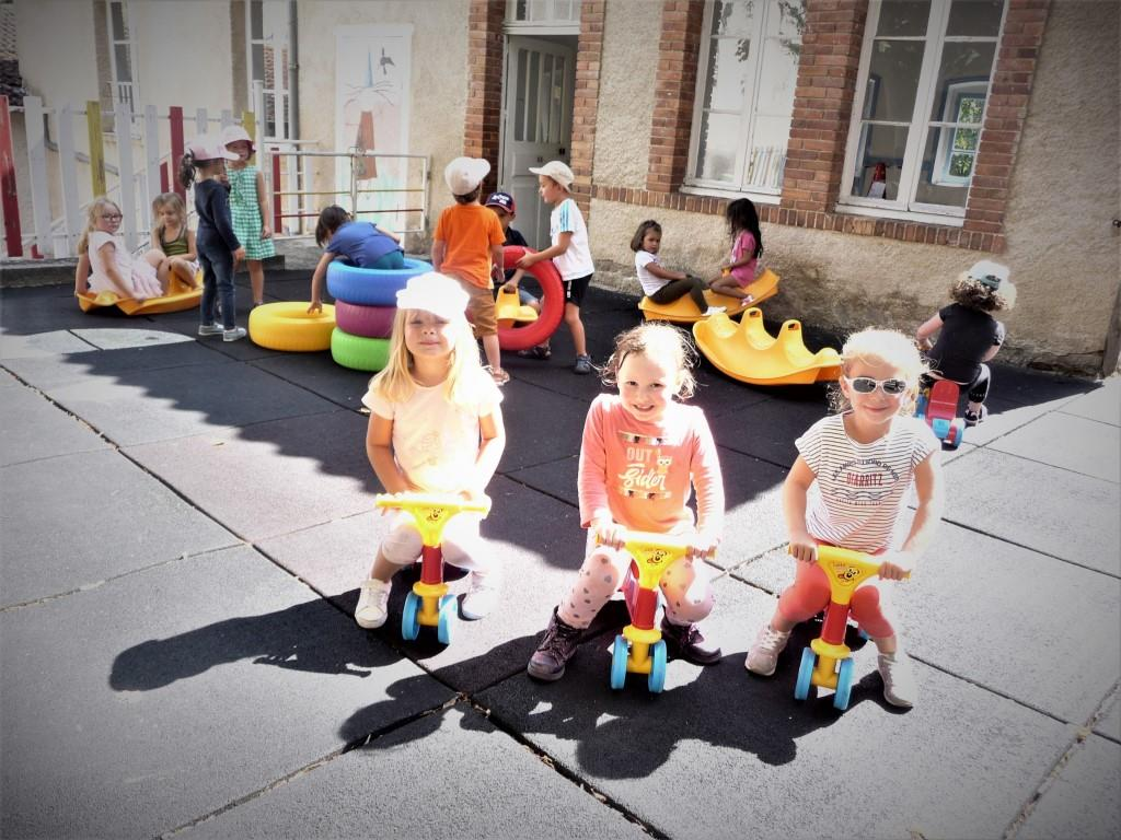 Cour maternelle